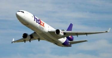 FedEx Express vai comprar 50 aviões