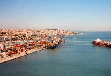 Estivadores do Porto de Lisboa iniciam 15 dias de greve ao trabalho suplementar