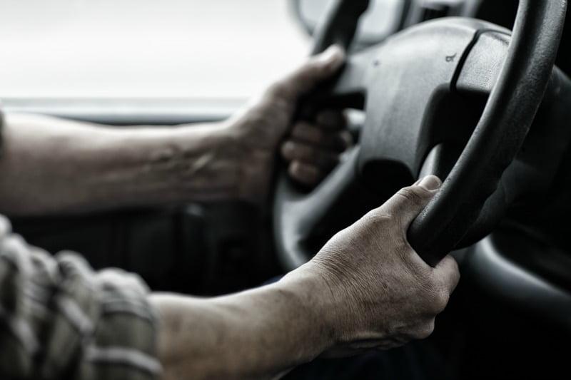 Parlamento Europeu aprova propostas que 'apertam' tempo de condução e descanso dos motoristas