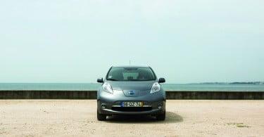 """Nissan Leaf considerado o automóvel """"mais verde"""" do ano"""