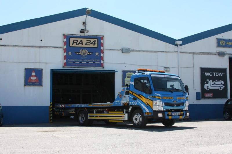 Reboques Amadora - veículo híbrido Fuso - Logística e Transportes Hoje