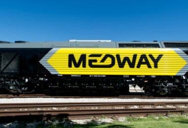 Medway volta a batizar locomotivas com nomes das netas dos colaboradores