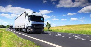 Eurodeputados querem redução das emissões poluentes de pesados