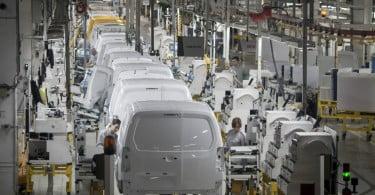 Governo aprova investimento de 57 M€ nas fábricas da Renault e da PSA