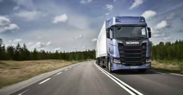 Scania e a Northvolt estabelecem parceria para a eletrificação de veículos pesados