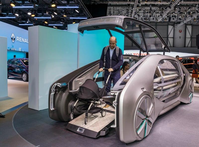 Renault apresenta 'robot-veículo' elétrico
