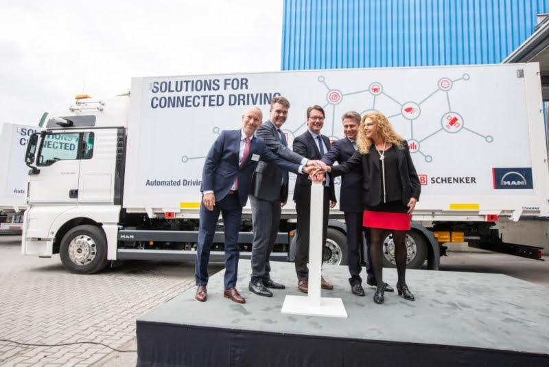 Alemanha já testa 'comboio de camiões' ligados em rede