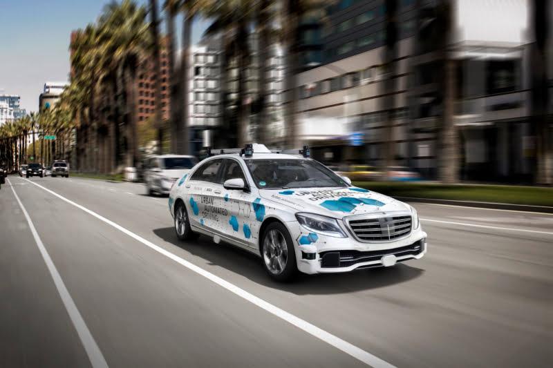 Bosch e Daimler iniciam testes de serviço de táxi autónomo já em 2019
