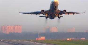 Procura de transporte aéreo em rota de crescimento