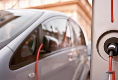 Portugueses consideram que veículos elétricos só são adequados para as grandes cidades