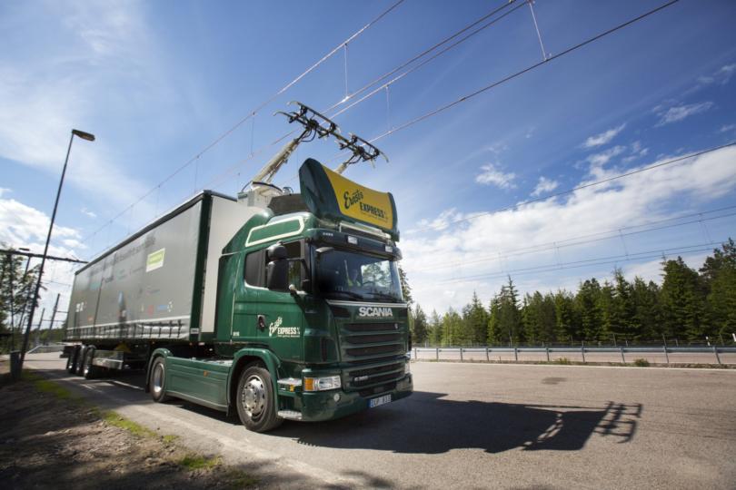 Alemanha testa primeira rodovia elétrica para camiões