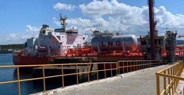Porto de Sines recebe navio tanque movido a GNL