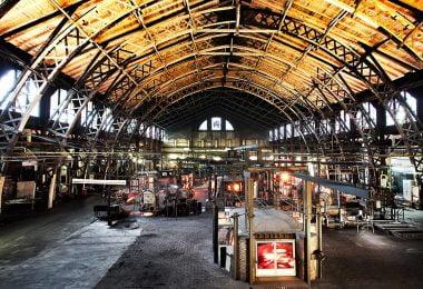 Dachser transporta os novos mostradores de vidro do Big Ben