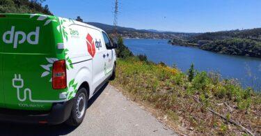 A Nespresso, em parceria com a DPD Portugal, deu início às entregas 'verdes' gratuitas em veículo elétrico no Porto.