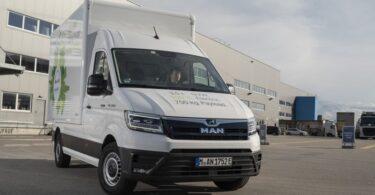 A MAN Truck & Bus lançou novas carrocerias para a MAN eTGE, permitindo o transporte de móveis, o uso na construção, entre outros.