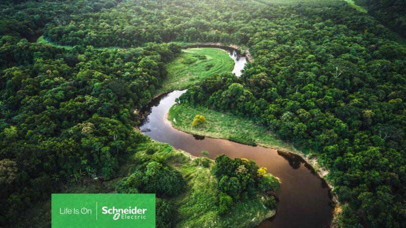 """A Schneider Electric revelou que a iniciativa """"Zero Carbon Project"""" já conta com a participação de 91% dos fornecedores, totalizando em 917."""