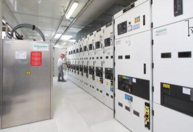 A Schneider Electric e a Wärtsilä estabeleceram uma parceria para criar uma solução de energia sustentável para alimentar as minas de lítio.