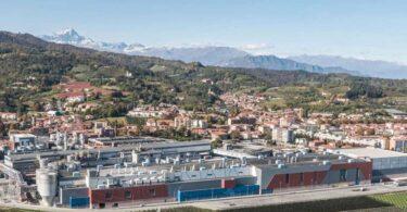 Smurfit Kappa adquiriu a Verzuolo por 360 milhões de euros, uma fábrica de papel de cartão reciclado com capacidade de 600 mil toneladas/ano.