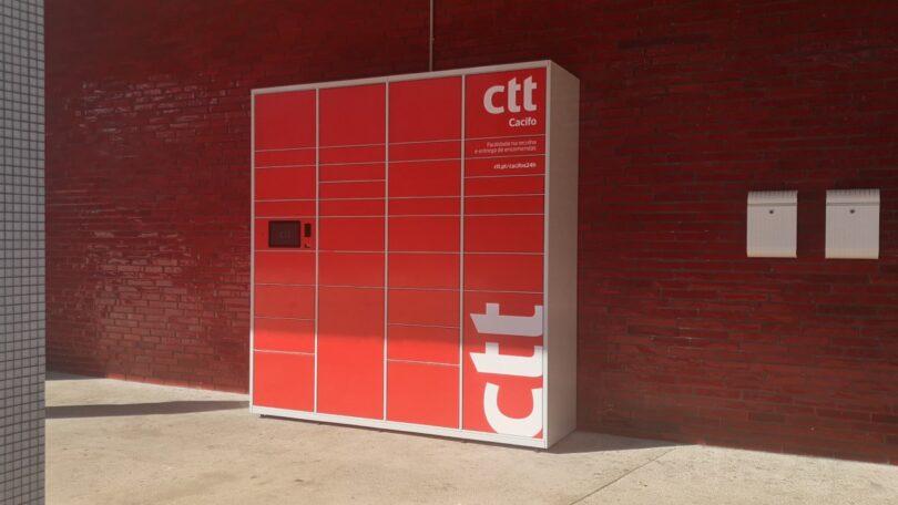 Os CTT, em parceria com a Promotorres E.M., instalaram um cacifo público de 33 posições no Mercado Municipal de Torres Vedras.
